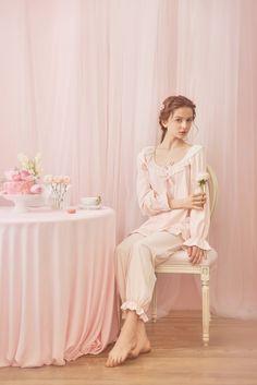 Style Fabric Cotton TopSize TopLength Bust Sleeves XS in. = 64 cm - in. = 86 - 90 cm 25 in. = cm S 26 in. = 66 cm - 37 in. = 90 - 94 cm in. = 68 cm 37 - in. = 98 cm in. = 70 cm - in. Night Suit, Night Gown, Royal Fashion, Pink Fashion, Estilo Lolita, Estilo Real, Sleep Dress, Cute Pajamas, Beauty Shots