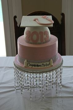 Pink glitter graduation cake for more great ideas visit www. College Graduation Parties, Graduation Celebration, Grad Parties, Pink Graduation Party, Pretty Cakes, Beautiful Cakes, Amazing Cakes, Cake Paris, Graduation Decorations