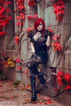 Top Gothic Fashion Tips To Keep You In Style. As trends change, and you age, be willing to alter your style so that you can always look your best. Consistently using good gothic fashion sense can help Gothic Girls, Hot Goth Girls, Punk Girls, Mode Steampunk, Gothic Steampunk, Steampunk Fashion, Gothic Fashion, Punk Goth Fashion, Style Fashion