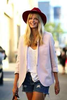 Red hat, washed short with a structured vest. Nice mix of color + summer casual, city style
