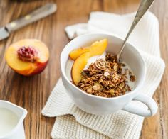 I particularly love this crunchy peanut butter granola, delicious with some tart Greek yoghurt. It keeps for weeks, and can easily be made gluten-free Brunch Recipes, Sweet Recipes, Breakfast Recipes, Breakfast Ideas, Peanut Butter Granola, Gluten Free Granola, Breakfast Smoothies, Nutritious Meals, Quick Meals