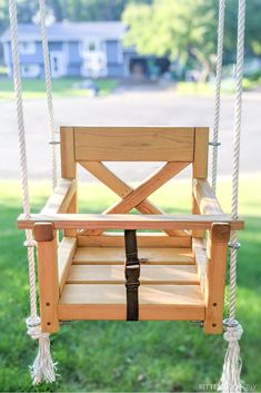Build a DIY outdoor swing with these plans from Bitterroot DIY. Hang it as a tree swing or add it to a swingset - it's the perfect size for babies to toddlers! Diy Swing, Wood Swing, Outdoor Baby Swing, Porch Swing, Woodworking Tutorials, Woodworking Plans, Diy Furniture Plans Wood Projects, Modern Furniture, Furniture Design