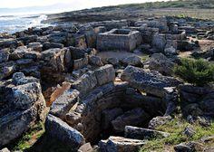 Cerca de la finca de Son Real, a la altura del Km. 17,700 de la carretera de Can Picafort a Artà, se encuentra visible, a la izquierda, en un altozano el protopoblado pretalayótico de Es Figueral de Son Real cuya datación aproximada es del 1000 a.C. al 80 a.C. En la excavación realizada por Rosselló en 1965 aparecieron restos de cerámica, huesos de animales y mariscos. Son construcciones de tipo navetiforme.