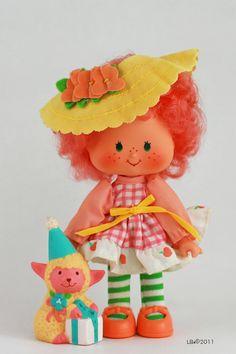 Peach Blush with Honey Lamb Strawberry Shortcake dolls Strawberry Shortcake Characters, Vintage Strawberry Shortcake Dolls, Vintage Toys 80s, Vintage Dolls, My Childhood Memories, Sweet Memories, Jem Et Les Hologrammes, Raspberry Tarts, Barbie