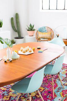 A Joyful and Modern Dining Room for Summer | Sugar & Cloth