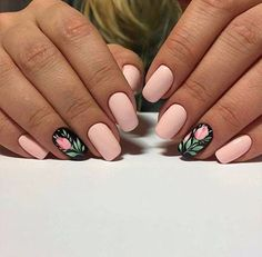 Gorgeous Floral Wedding Nails source:http://bit.ly/2ypgCK9