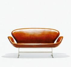 Arne Jacobsen Swan settee / Wright Auctions