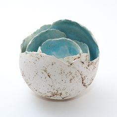 Keramik Teelichthalter von isi-way.com Hand Built Pottery, Slab Pottery, Ceramic Pottery, Ceramic Light, Ceramic Vase, Clay Pinch Pots, Moon Jar, Paper Bowls, Cafe Design