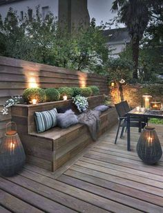 Outdoor lighting ideas for backyard, patios, garage. Diy outdoor lighting for front of house, backyard garden lighting for a party Outdoor Rooms, Small Backyard, Backyard Design, Patio Design, Exterior Design, Garden Seating, Backyard Lighting, Outdoor Design