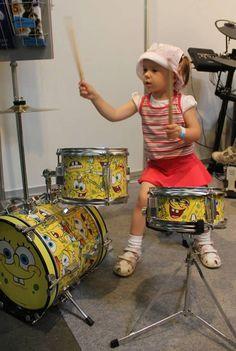 Ударная установка для самых маленьких. Для гиперактивных детей - лучшее направление их энергии :)  http://www.jazzclub.com.ua/spongebob/udarnie/ustanovka-udarnaya-detskaya-spongebob-sbk100/flypage.tpl.html  #injazz #jazzclub #spongebob #барабанщик #ударная_установка