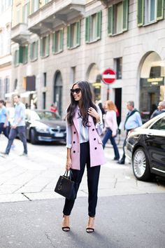 Street Style - Pastel Colors Outfit