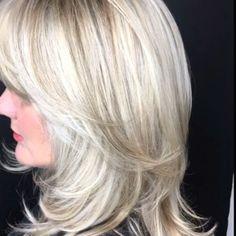 Blonde Layers, Blonde Hair With Highlights, Brown Blonde Hair, Icy Blonde, Medium Bob Hairstyles, Older Women Hairstyles, Hairstyles Haircuts, 60 Year Old Hairstyles, Layered Haircuts For Women