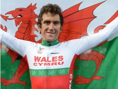 Geraint Thomas is a popular winner of the men's road race in Glasgow | http://www.cyclingweekly.co.uk/news/latest-news/geraint-thomas-win-mens-road-race-132080… pic.twitter.com/UYoy848P01