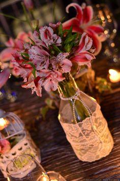 ¡Ideas para una boda de ensueño en primavera! #matrimoniocompe #matrimonioenprimavera #boda #matrimonio #bodaprimavera #ideasdeboda #ideasmatrimonio #ideasprimavera Jennifer Flores, Retro, Table Decorations, Love, Home Decor, Ideas, Vintage Decor, Vintage Style, Colored Light Bulbs