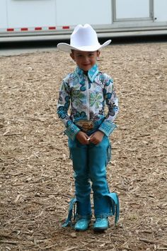 Horse Show Style- fold up the ends of chaps when not riding Western Show Shirts, Western Show Clothes, Horse Show Clothes, Western Outfits, Western Wear, Riding Clothes, Little Cowgirl, Cowboy And Cowgirl, Horseback Riding Outfits