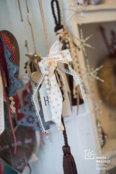 Christmas Crafts, Christmas Ornaments, Lucky Charm, Charms, Gift Wrapping, Homes, Holiday Decor, Diy, Handmade