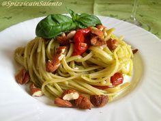 Pasta al Pesto di Basilico con Pomodorini secchi sott'olio e Mandorle