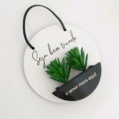 BE VERY WELCOME, LOVE LIVES HERE Momento Casa® creates exclusive products made with great love and care for the homes of special people like you! With our pictures and door decorations, you leave your home or AP always decorated from the front…Read