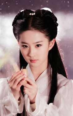 this is the most beautiful film star in Asia, very beautiful with various traditional ancient Chinese styles and photos Beautiful Film, Beautiful Fantasy Art, Beautiful Asian Girls, Beautiful People, Ancient China Clothing, China Girl, Chinese Model, Chinese Actress, Hanfu