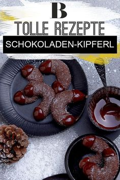 The chocolate kipferl are doubly chocolaty: Not only … – Christmas Ideas Chocolate croissants. The chocolate kipferl are doubly chocolaty: Not onlyChocolate croissants. The chocolate kipferl are doubly chocolaty: Not only Chocolate Biscuits, Chocolate Cookie Recipes, Easy Cookie Recipes, Chocolate Cookies, Chocolate Desserts, Dessert Recipes, German Desserts, Baking Recipes, Chocolate Navidad