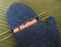 Brilliant Photo of Mittens Knitting Pattern Mittens Knitting Pattern Chemknits Convertible Fenway Mitts Convertible Mittens Knitted Mittens Pattern, Crochet Mittens, Knitted Gloves, Knit Crochet, Crochet Hats, Crochet Granny, Knitting Stitches, Knitting Socks, Knitting Patterns