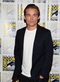 Pictures & Photos of Kevin Zegers - IMDb