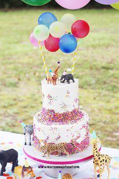 Party animal birthday theme Safari Birthday Cakes, Animal Themed Birthday Party, Birthday Cake Girls, Animal Party, 2nd Birthday Party For Girl, Girl Birthday Themes, 4th Birthday, Birthday Ideas, First Birthdays