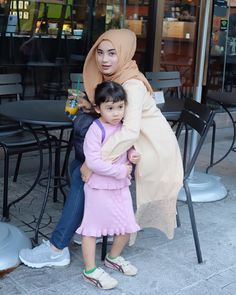 hijaber geulis #hijabstreetstyle Muslim Fashion, Hijab Fashion, Hijab Tutorial, Hijab Outfit, Harajuku, Bodycon Dress, Asian, Sexy, Outfits
