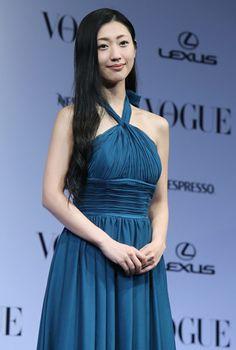 「VOGUE JAPAN Women of the Year2013」を受賞した壇蜜さん。「『壇蜜』という存在が世間をにぎわすことができた。今回の賞は、そのご褒美だと思います」などとあいさつした(東京都)(2013年11月26日) 【時事通信社】 ◆時事ドットコム:壇蜜さん 写真特集 http://www.jiji.com/jc/d4?d=d4_psn&p=dan333-AL1W0444 #Danmitsu