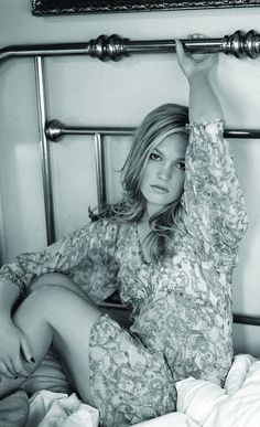 Julia Stiles Julia Stiles Shows Gwyneth Paltrow Beautiful Actresses Actors Actresses