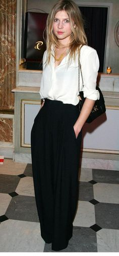 Clemence Poesy [ Source ] [ Source ] She's naturally gorgeous and her style is so effortlessly chic.very French. Looks Street Style, Looks Style, Style Me, Parisienne Chic, Clemence Poesie, Paar Style, Business Outfit Frau, Business Wear, Dress Up