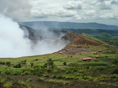 El volcán Masaya: Una montaña que arde en Nicaragua. http://el-mundo-de-rocio.blogspot.com.es/2014/09/el-volcan-masaya-una-montana-que-arde.html