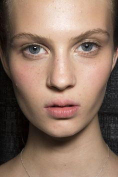 Suno at New York Spring 2015 (Backstage). http://votetrends.com/polls/369/share #makeup #beauty #runway #backstage
