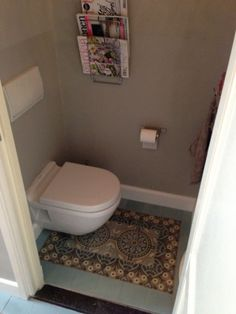 wc, portugese tegels