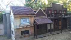 This has got to be the coolest Chicken Coop ever!  From Tiffany on FB -- https://www.facebook.com/photo.php?fbid=1736352369933821&set=p.1736352369933821&type=3&theater