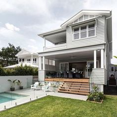 The Hamptons is all about outdoor living. Create your dream Hamptons home with a gorgeous outdoor space to complete the look Hamptons Style Homes, Hamptons House, The Hamptons, Weatherboard House, Queenslander, Residential Building Design, Casa Patio, Australian Homes, Big Houses