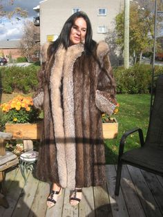 #W3 GOT TO HAVE IT BEAVER FUR COAT TRIM W/SILVER GRAY FOX FUR SIZE 12/13 VERY SOFT. THE FUR IS JUST GORGEOUS ON THAT FUR COAT NO MENTIONABLE WEAR. | eBay!