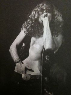 Robert Plant of Led Zeppelin Robert Plant Led Zeppelin, Great Bands, Cool Bands, Led Zeppelin Live, Page And Plant, Whole Lotta Love, Greatest Rock Bands, Hottest Pic, Erotic Art