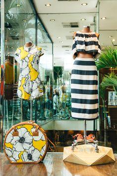 nossa loja tá sempre linda e refletindo em cada cantinho parte da coleção e da nossa energia, e tudo que se vê por lá é o resultado do super trabalho das equipes: visual, que orienta nosso visual merchandising e produção de moda.