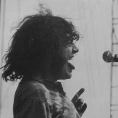 Joe Cocker, rockin' the stage