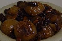 Vegetarian Slow Cooker: Balsamic Caramelized Onions with Raisins & Pine Nuts