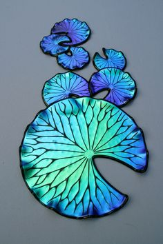 There's just something about dichroic glass - Laurel Yourkowski lily pads… Polymer Clay Kunst, Polymer Clay Jewelry, Dichroic Glass, Fused Glass, Mosaic Art, Mosaic Glass, Cristal Art, Shattered Glass, Broken Glass