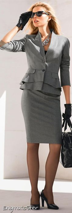 Looks kinda like my lucky suit.LOOKandLOVEwithLOLO: New 2014 Madeleine Fall Arrivals.Suits, Jackets, and Skirts Street Style Outfits, Mode Outfits, Business Outfit, Business Fashion, Business Wear, Business Lady, Business Clothes, Office Fashion, Work Fashion
