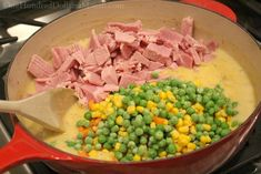 Easy Ham Pot Pie Recipe - I'm sure you've had a chicken pot pie, probably even a beef or turkey pot pie too. But have you ever had a ham pot pie? Pea and ham soup. Pork Pot Pie Recipe, Ham Pot Pie, Pot Pies, Broccoli Pie Recipe, Crust Recipe, Pie Recipes, Dinner Recipes, Cooking Recipes, Dinner Ideas