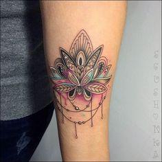 unterarm tattoo frau mandala lotosblume farbe tattoo pinterest unterarm tattoo tattoo. Black Bedroom Furniture Sets. Home Design Ideas