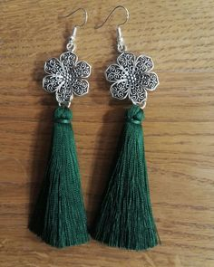 #orientaljewellery #orientalearrings #orientalflowers #with #green #tassels #silverjewellery