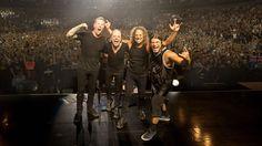Metallica llega a Perú con un set a pedido. Confirman que tendrán un escenario aún más grande que en su primera visita. Aquí el reel promocional del evento y los precios de entradas para esta semana, por si aún no te has asegurado. Tocan junto a Del La Tierra y la Orquesta de Instrumentos Reciclados Cateura en el Estadio Nacional este jueves 20 de Marzo.