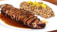 Prsa naložíme. Napřed jejich kůži mírně nařízneme do mřížky. Do hmoždíře dáme sečuánský pepř, rozmarýn, tymián, zázvor, chilli semínka a... China Food, No Cook Meals, Sausage, Pork, Food And Drink, Beef, Cooking, Recipes, Gardening