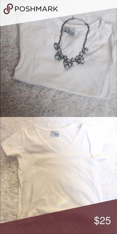 Lilly Pulitzer White V-Neck Tee Brand New! Lilly Pulitzer Tops Tees - Short Sleeve