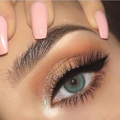#makeup #makeuplooks Peach Eye Makeup, Gold Eye Makeup, Prom Eye Makeup, Wedding Eye Makeup, Pretty Eye Makeup, Simple Eye Makeup, Prom Makeup Looks, Pageant Makeup, Big Eye Makeup